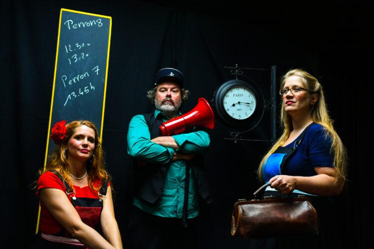 Harlinde Keymolen, Yves Bondue en Leen Devyver in de Balcompagnie - foto Luc Dombrecht, 2020